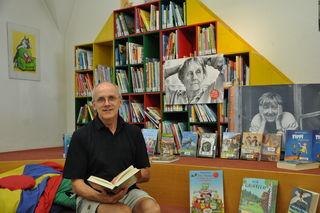 Bibliothekar Heinz Ofner hat sich der Leseförderung verschrieben und organisiert zum Thema Weltliteratur für Kinder spannende Veranstaltungen in der Stadtbücherei.