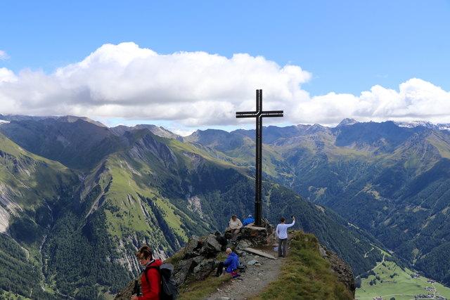 Rundumblick auf dem Gipfel.....Berg Heil
