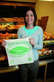 """Auch Juniorchefin Anna Sailer von """"Dein Kulmlandbäcker""""  verwendet das Sackerl und sind mit ihrem Betrieb bei der Aktion natürlich dabei."""