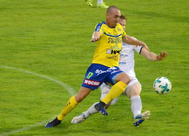 Niko Frljuzec eröffnete mit seinem Treffer zum 1:3 die Aufholjagd. Mehr Bilder auf www.woche.at.