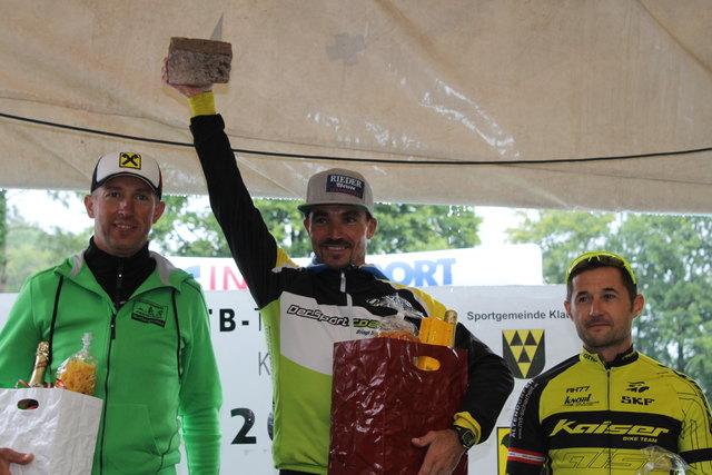 Gerald Will (Mitte) gewinnt vor Gerhard Stumbauer und Manfred Kohlgruber.