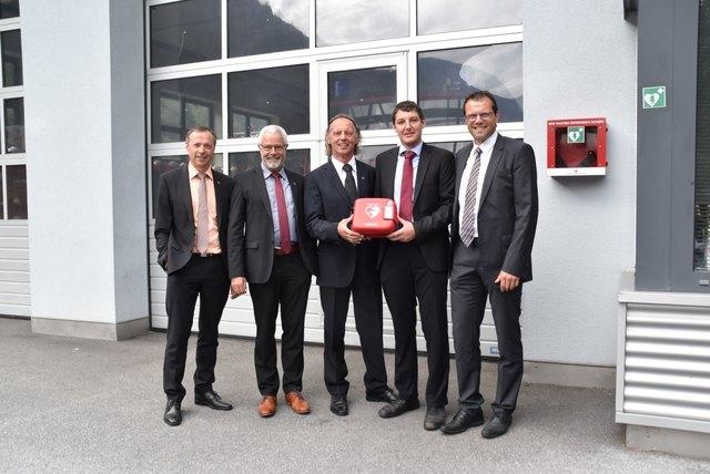 Manfred Scheiber, Hubert Kuprian (beide Raiba), Hubert Klotz, Michael Kapferer (beide Gemeinderäte Umhausen), Reinhard Oppeneiger (Sparkasse Oetz).