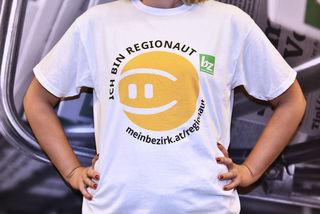 Ab jetzt gibt es für unsere treuen Regionauten T-Shirts. Deutlich favorisiert wurde das Design von Christa Posch.