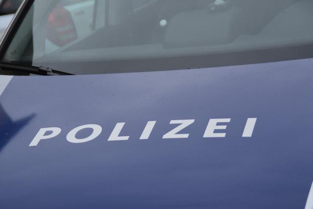 Die Polizei blitzte einen Motorradfahrer mit 108 km/h im Ortsgebiet.