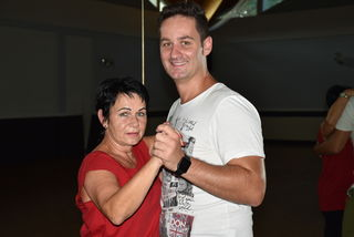 Bernd Weninger tanzt hier mit Magda.