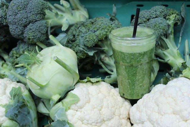 Nicht jedermanns Sache: Wenn man es genau nimmt, ist es püriertes Gemüse. Grüne Smoothies können aber auch lecker sein!