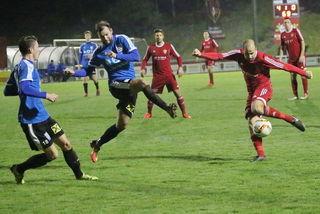 Treffer in Kalsdorf: Leonhard Kaufmann (r.) brachte mit seinem dritten Saisontor sein Team auf die Siegesstraße