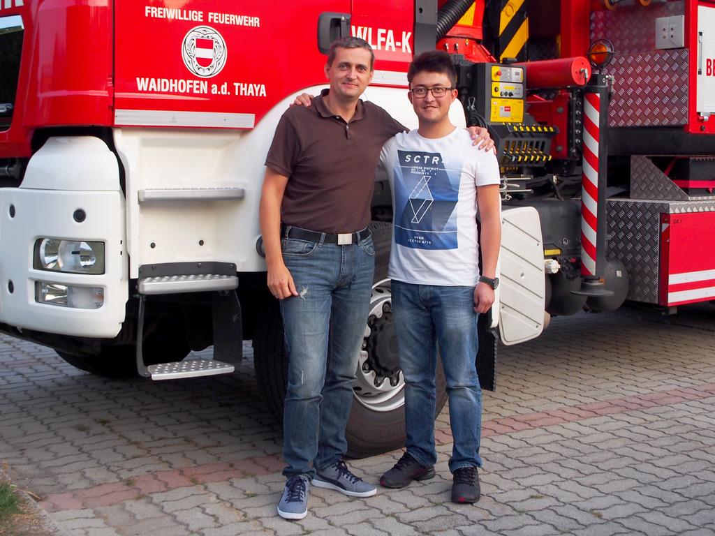 Christian Bartl mit dem neuesten Zugang zur FF Waidhofen: dem 24-jährigen Afghanen Murtaza Farzan.