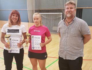 Bestes Damenteam: Wiener Neudorferinnen Simona Fabianova, Daniela Magerle; Turnierdirektor Michael Faustmann