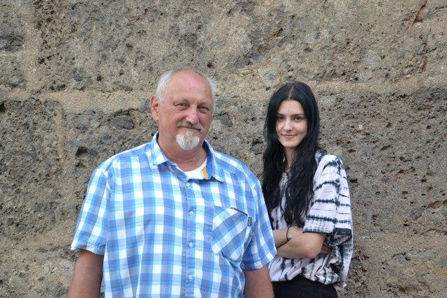Das KPÖ PLUS Spitzenduo für Tirol: Josef Stingl (KPÖ) und Janna Eberharter (Junge Grüne)