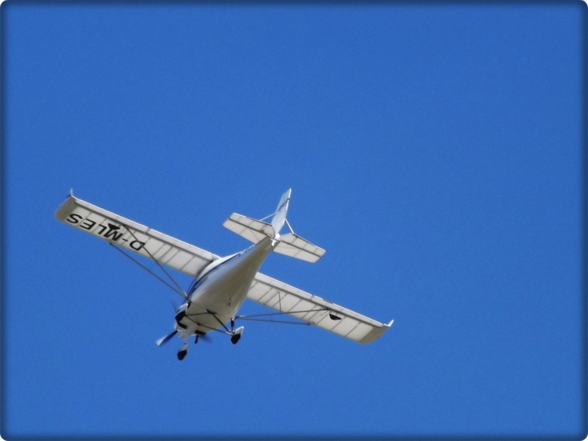 Flugzeuge Am Himmel Heute
