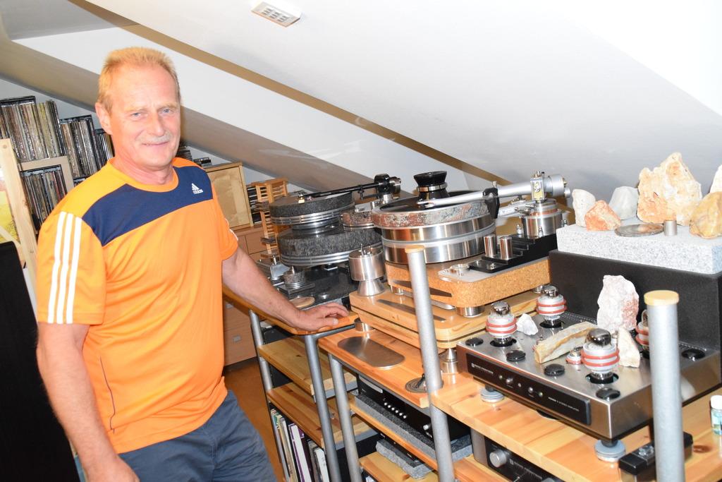 Der Meister Der Schallplatten Sucht Die Absolute Ruhe Waidhofen Thaya