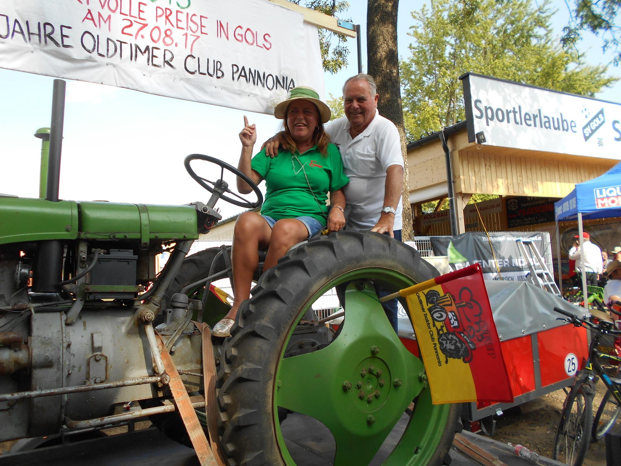 Traktortreffen in Gols - Neusiedl am See - bubble-sheet.com