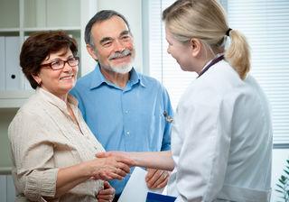 Während der Ordinationszeite kümmert sich der Hausarzt um seine Patienten. Außerhalb dieser Zeiten: 141 wählen.