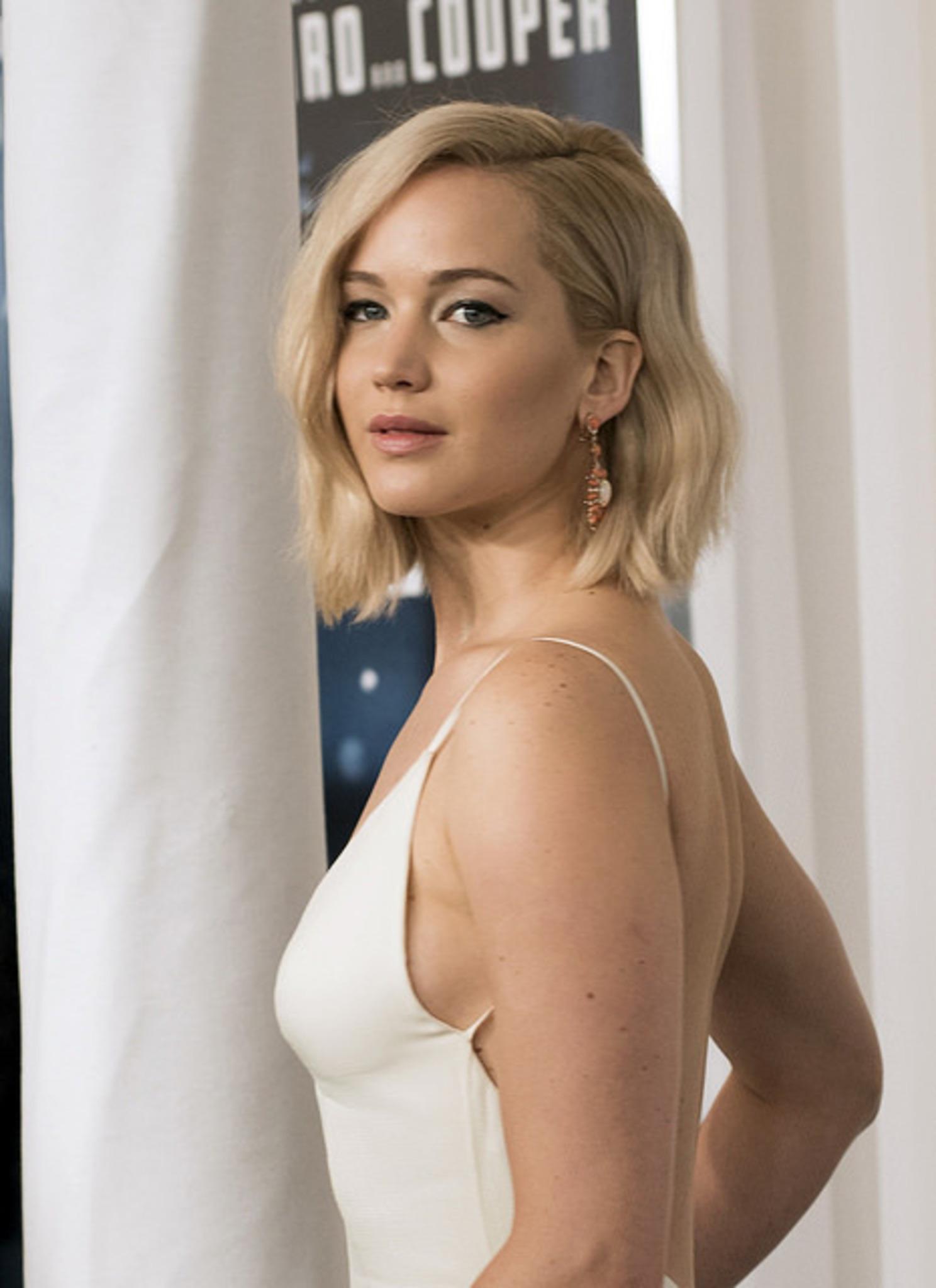Jennifer Lawrence: Tiefe Einblicke ohne BH!