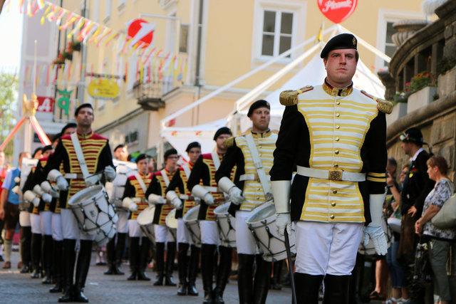 Peter Wolfbauer und das Trommlerkorps: Am Samtag findet ein Tag der offenen Tür in der DrumAcademy statt. Das Trommlerkorps zeigt Shows der anstehenden Schweiz-Tour.