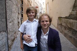 Die beiden Adrians: Jeremy Miliker, der den Adrian im Film spielt, und Regisseur Adrian Goiginger
