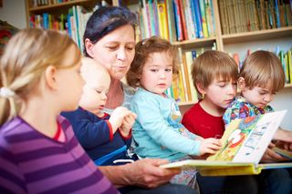 Helfen Familien, Job und Kinder unter einen Hut zu bringen: Steiermarkweit sind 319 Tagesmütter und -väter im Einsatz.