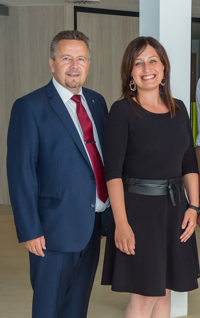 Die zuständige Familienreferentin Tina Blöchl ist auch gleichzeitig die Projektleiterin der familienfreundlichen Gemeinde, weil ihr gemeinsam mit Bürgermeister Peter Mair die Entwicklung vom Pasching am Herzen liegt.