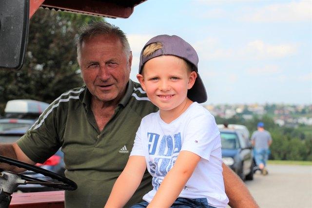 Hermann Laher und Junior-Regionaut Julian