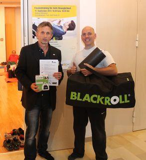 v.l.n.r. Harald Köppel (stv. Leiter des Service-Centers Mistelbach der NÖ Gebietskrankenkasse) und Ing. Gerhard Laister (Entspannungs- und Fitnesstrainer)