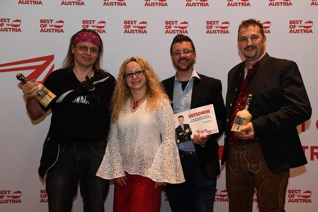 Danke für die Auswahl zum dritten Platz mit Andreas Thallinger (2ter Platz), Barbara Lamböck (Best of Austria), Johann Frank (Vetretung 3ter Platz) und Danke an Klaus Prokop hinter der Kamera  Foto: Klaus Prokop