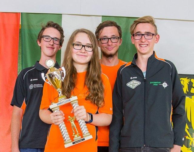 Die Siegermannschaft 2017 v.l.: Rene Leitner, Anja Schwab, Fabian Birklbauer, David Lamplmayr