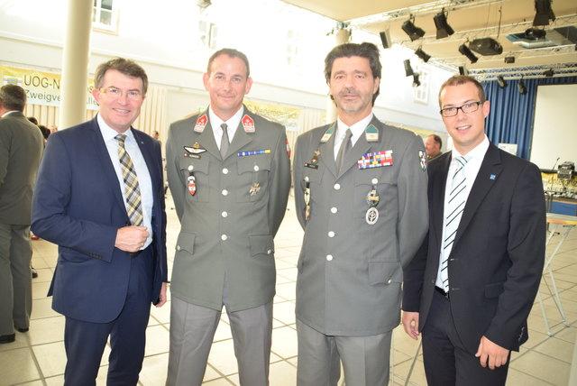 NÖ UOG-Präsident Markus Auinger (2.v.li.) lud zur 50 Jahr-Feier.