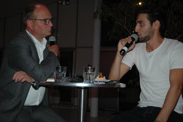 Ankommen in Österreich: Arkadi Yeghiazaryan (r.) erzählte seine Geschichte.