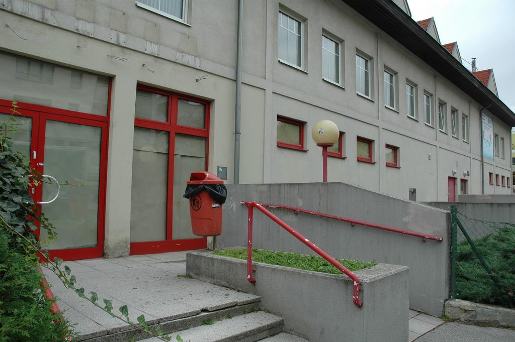 Verschlossen und verriegelt: die ehemalige Billa-Filiale in der Anton-Krieger-Gasse.