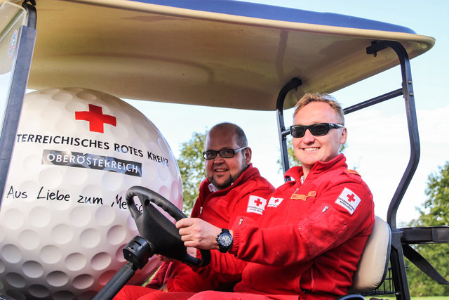 Zum 7. Mal ein voller Erfolg: Gerhard Höss und Wolfgang Preslmair vom Organisationsteam können stolz sein auf ein perfektes Charity-Golfevent.