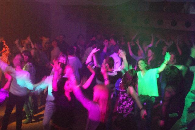 """So schaut's aus, wenn DJ Andy und seine Kumpels wieder zur """"Party wie damals"""" laden!"""