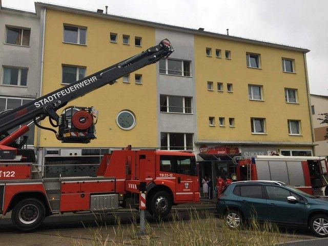 Die Stadtfeuerwehr Oberwart rückte zu einem Zimmerbrand in die Lehargasse aus.