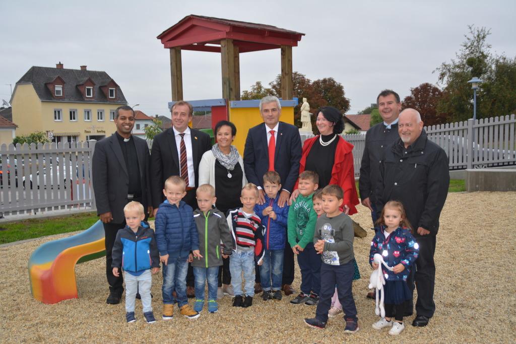 Die neue Außenanlage vom Kindergarten Jabing wurde eröffnet.