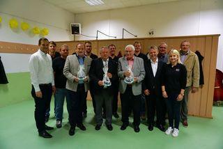 Das Team der ÖVP Neudorf mit Bürgermeisterkandidat Helmut Loncsar (zweiter von rechts) und den zahlreichen Ehrengästen