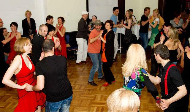 Über unsere kostenlose Tanzpartnerbörse finden Sie bestimmt einen passenden Tanzpartner