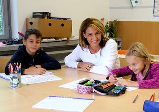 Eva Feldweber ist seit 2014 freiwillige Helferin in einem Lerncafé.