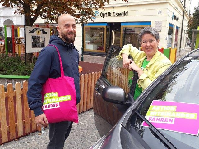 Peter Ötvös und Regina Petrik von den Grünen Eisenstadt wollen Menschen dazu ermuntern, einander mitzunehmen.