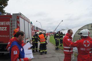 Das Szenario gab einen Gasaustritt samt Explosion vor. Ein Nebengebäude stürzte ein und ein Insasse flüchtete.