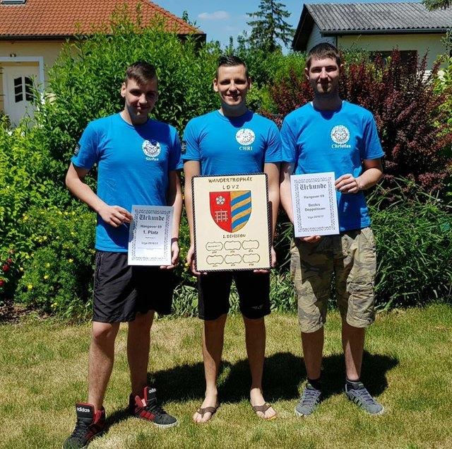 Fischamender Darts-Spieler: Jubel über Österreich-Sieg.