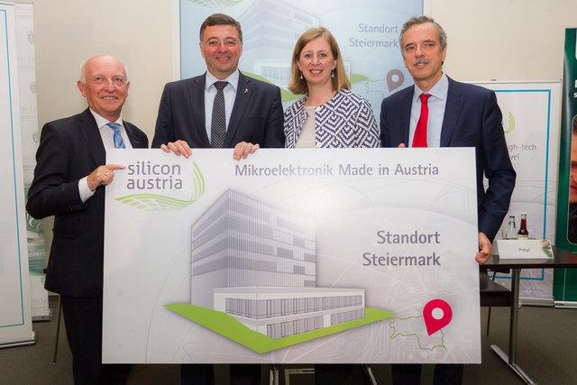 Glückliche Gesichter: Josef Affenzeller (Vorsitzender ECSEL Austria), Jörg Leichtfried (Infrastrukturminister), Barbara Eibinger-Miedl (Wissenschaftslandesrätin Steiermark), Wolfgang Pribyl (Projektleiter Silicon Austria Steiermark)