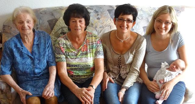 Von links: Rosina Gradl, Rosa Peirleitner und Renate Danninger aus Pregarten sowie Bianca Danninger und Luisa aus Königswiesen.