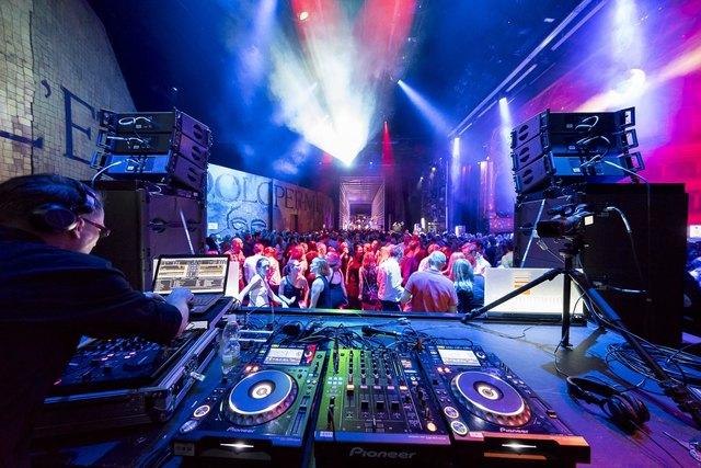 Mit der WOCHE gratis dabei: Das berühmte Opern-Clubbing versetzt die Grazer Partyszene am Samstag wieder in Schwingung.