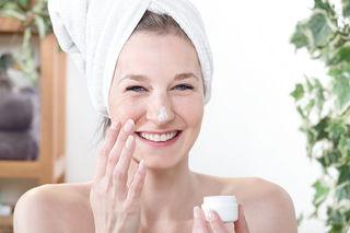 Damit die Haut auch im Herbst strahlt, ist die richtige Creme entscheidend.