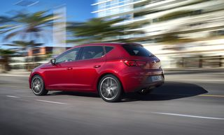 Seat Leon FR TSI Fast Lane: 1,4-Liter-Benziner steht wie der Leon Style 1.2 mit 86 PS (ab 19.490 Euro) in 14 Tagen vor der Tür.