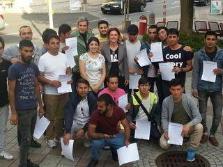 """Die 23 jungen Männer aus Afghanistan arbeiteten und diskutierten fleißig beim Projekt """"Men Talk"""" in Gleisdorf mit."""
