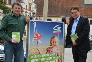 Wahlkreis-Spitzenkandidat Andreas Lackner und NR Werner Kogler (r.).