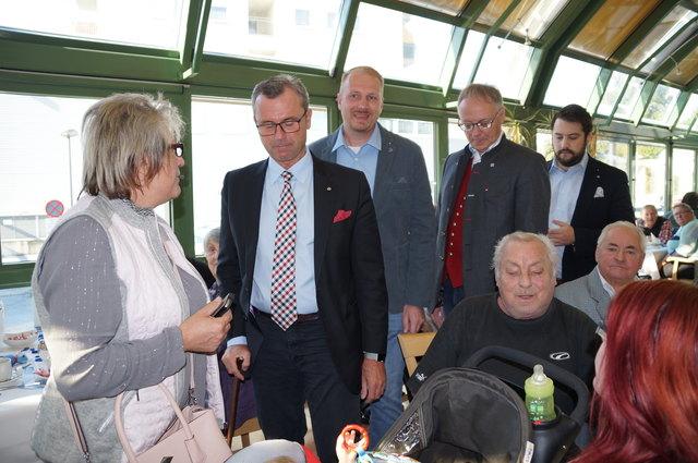 Norbert Hofer im Gespräch mit den Voitsbergern in den Stadtsälen