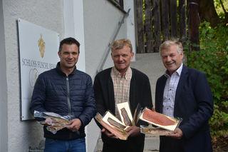 Im Bild von links: Rupert Quehenberger, Präsident des Ökosozialen Forums Salzburg, Landfischermeister Gerhard Langmaier und LK-Präsident Franz Eßl.