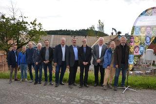 Ing. Andreas Haderer (Krückl BaugesmbH & CoKG), Ing. Edgar Hauer (Hauer Baucon GmbH), Bmstr. Ulrich Gutenthaler (Singer Bau GmbH), Ing. Philipp Kern, MBA (B.Kern BaugesmbH), Mag. (FH) Robert Ritter-Kalisch (Diakoniewerk), Kremeier Christian Ernst (Gemeinderatsmitglied), Bgm. Ferdinand Kaineder, Mag. Gerhard Breitenberger MA (Diakoniewerk), Dipl.-Ing. Karl-Peter Winkler (WAG), Architektin Gertrud Fiala & Architekt Peter Reinhart (Architektur Werkstatt) (v.l.n.r.)